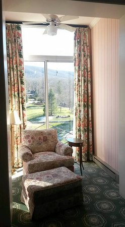 Hot Springs, VA: Lovely little sitting area.