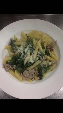 Hamden, CT: Penne Rabe and Sausage