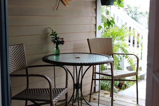 Andrews Inn and Garden Cottages: Madrid Deck