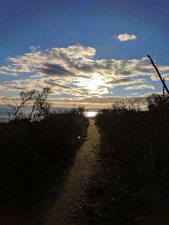Madison, CT: Nice sunset on the beach.