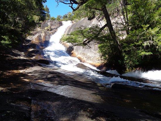 Province of Rio Negro, Argentina: Cascada Frey: para sentarse a escuchar solo el sonido del agua...