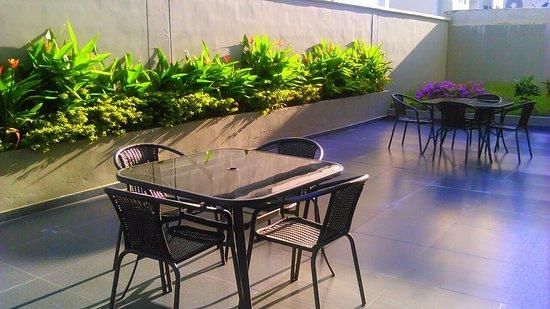 Foto de atlantis suites barranquilla terraza y jard n for La terraza barranquilla