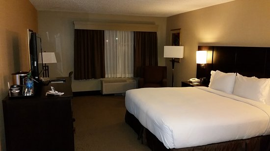 DoubleTree by Hilton Wichita Airport: 20170119_182200_large.jpg