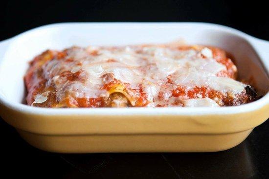 Lawrence, KS: lasagna bolognese