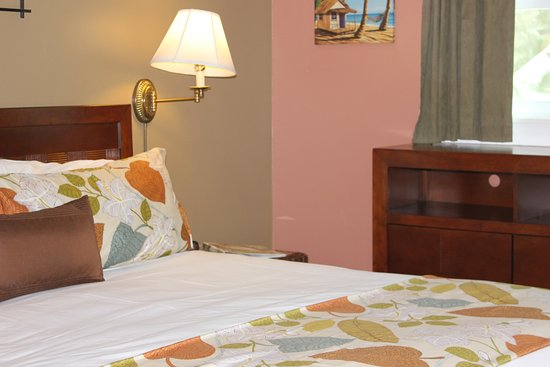 Andrews Inn and Garden Cottages: Pamplona Bedroom