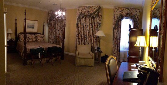 Bienville House: Our deluxe room
