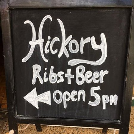 Tamborine Mountain, Australia: Ribs n Beer, Open from 5pm (Thursday to Monday)