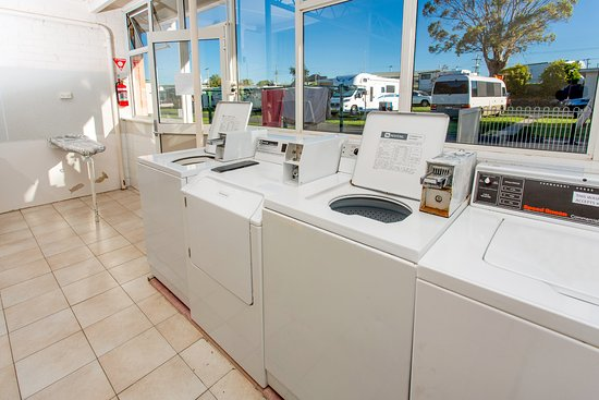 Ulverstone, Australia: Coin operated Laundry