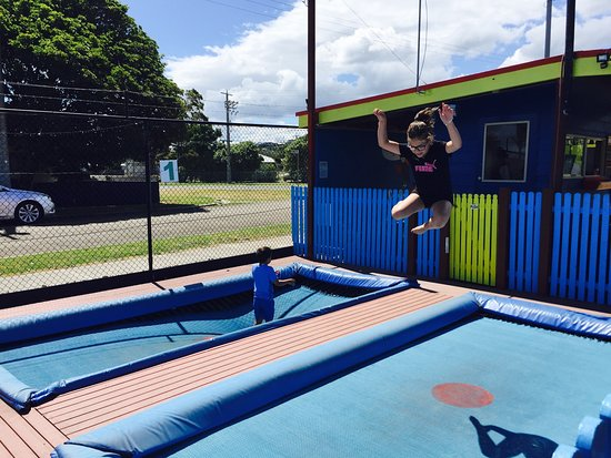 Lakes Entrance Mini Golf and Trampolines
