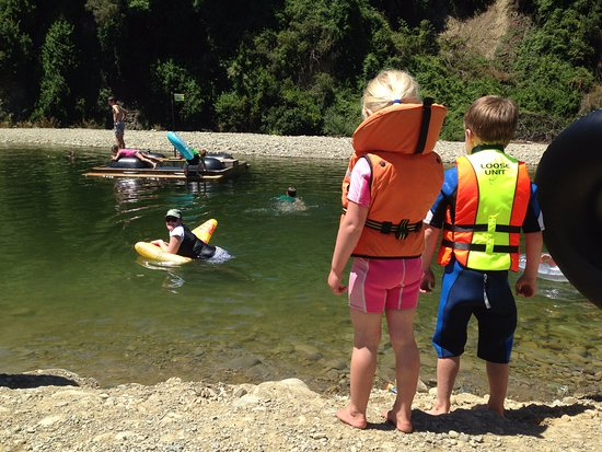 Quinney's Bush Camp: Quinney's Busy - river swimming