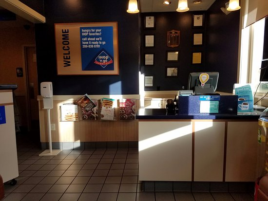 Entering The Front Lobby At Ihop Tracy Ca