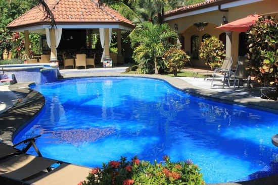 Playa Hermosa, Costa Rica: Las Brisas Resort - Pool in Afternoon - January 2017
