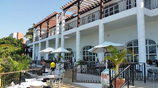 Club Med Ixtapa Pacific: Outside the main dining area Club Med Ixtapa