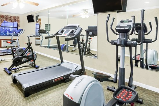 Searcy, AR: Enjoy our complimentary fitness center.