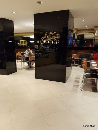 Interior Decors Picture Of Butlers Chocolate Cafe Dhaka City Tripadvisor