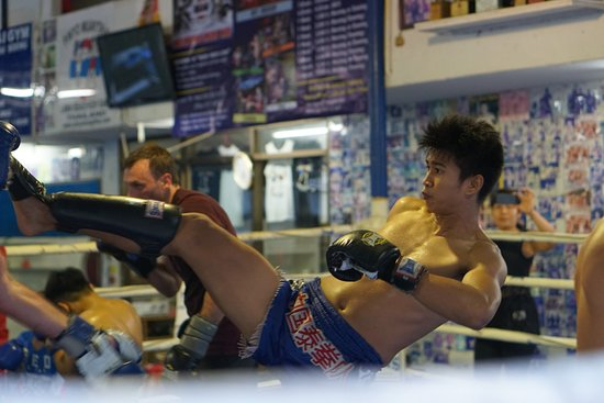Wech Pinyo Muay Thai : Ken! one of the best!