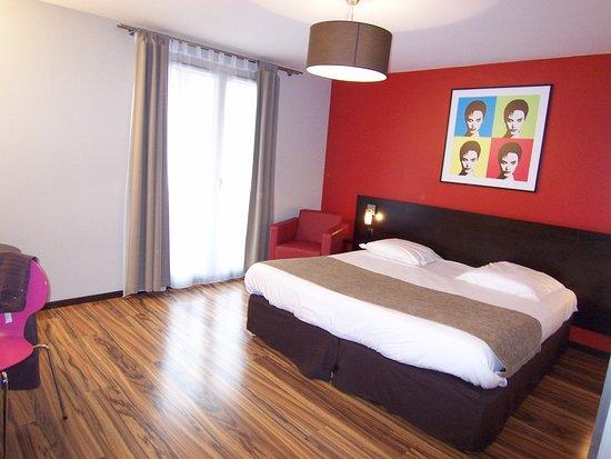 Thoiry, France : Dormitorio