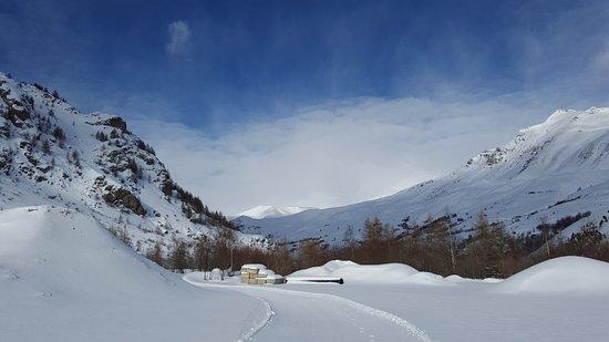 Villar-d'Arene, France: valley