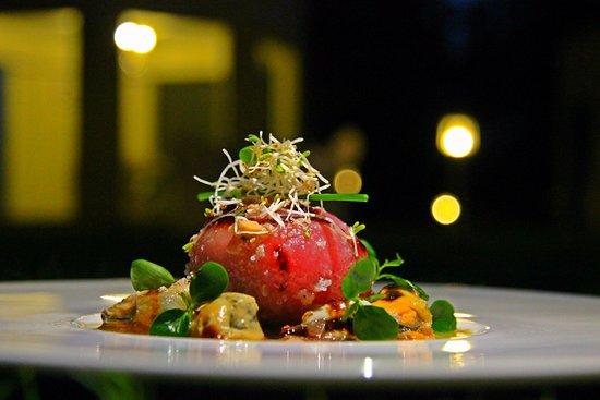 Al Loomie Omani Fusion Restaurant : Tuna Sphere