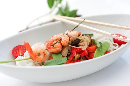 Iffezheim, Deutschland: Thai Curry mit Kokos, Gemüse & Garnelen