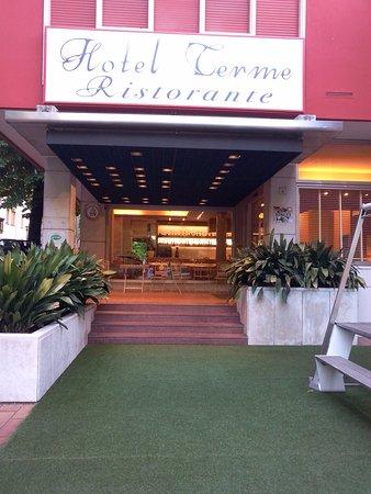 Hotel Terme: Ingresso albergo
