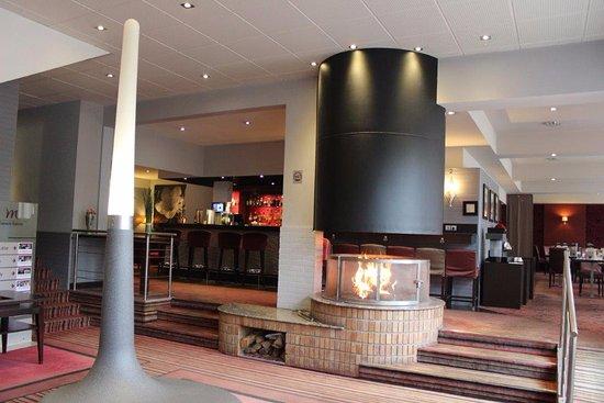 Gaillard, Francia: hall, bar et restaurant