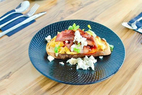 Robina, أستراليا: Scrambled Eggs with Bacon
