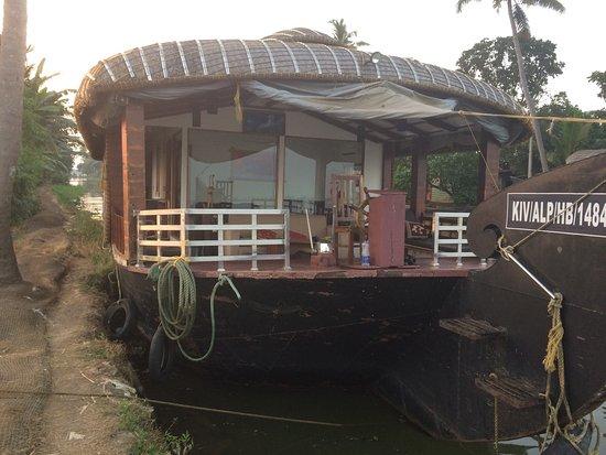 Nova Houseboats