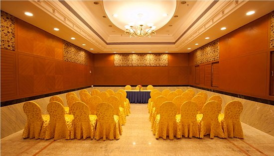 JP Hotel Chennai : BANQUET HALL
