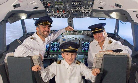 Brussels Flight Simulators: Une expérience à tenter seul, en famille ou entre amis (jusqu'à 8 personnes à bord) !