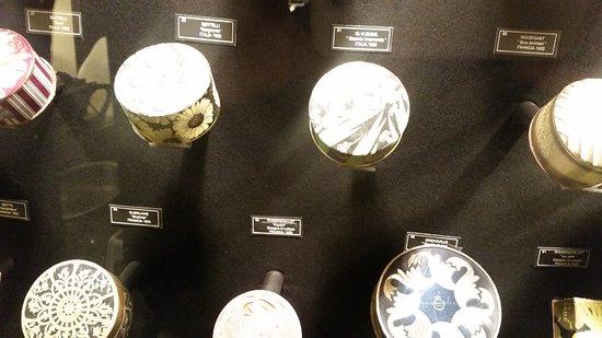 Olfattorio - Museo della Cipria: Scatole di cipria da fine '800 ai primi '900