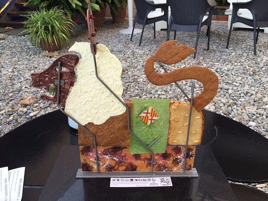 Santa Pau, Espagne : Petits-Fours Bestiar: el León