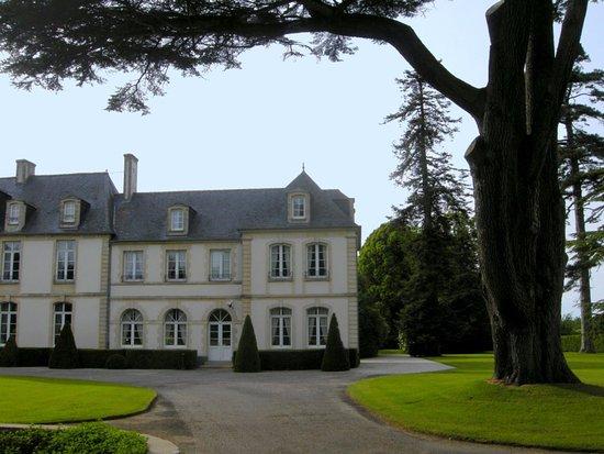 Sully, Francia: La façade de l'établissement