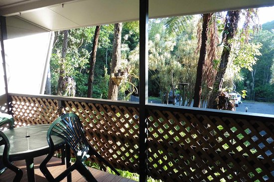 Atherton, Australia: Small decking area at front of room.
