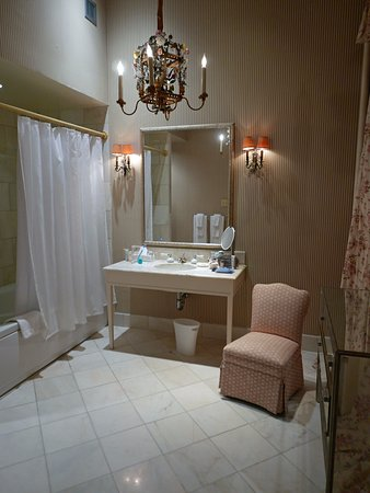 Bathroom chandelier - Picture of Soniat House, New Orleans - TripAdvisor