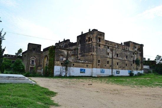 Rawalpindi, Pakistan: Bedi Mahal