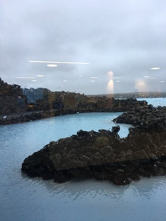 Grindavik, Island: It was a cool experience... a once in a lifetime kind of experience. The weather was not the gre