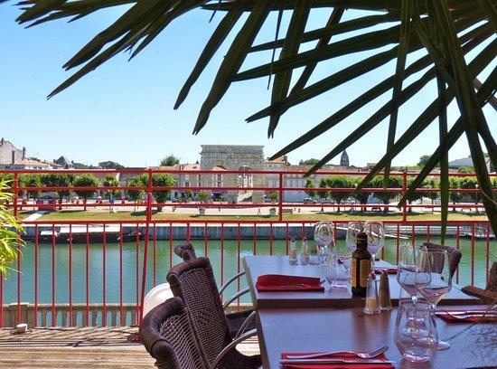 Сент, Франция: restaurant la terrasse à saintes
