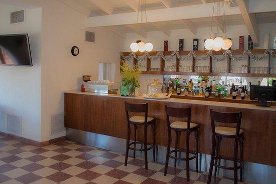 Hotel Tejas Rojas: Bar