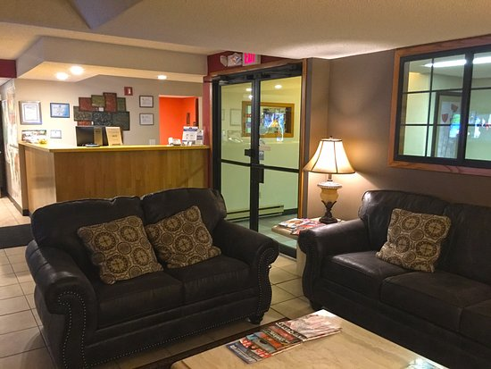 Sauk Centre, MN: Lobby