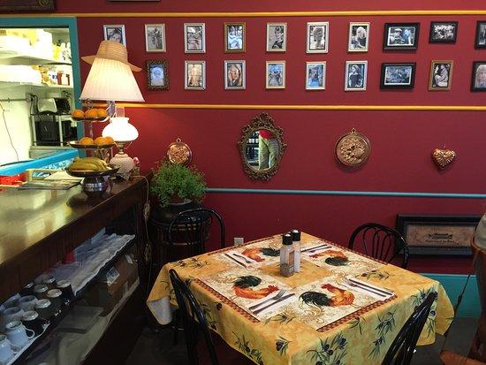 Estero, Флорида: Inside dining area