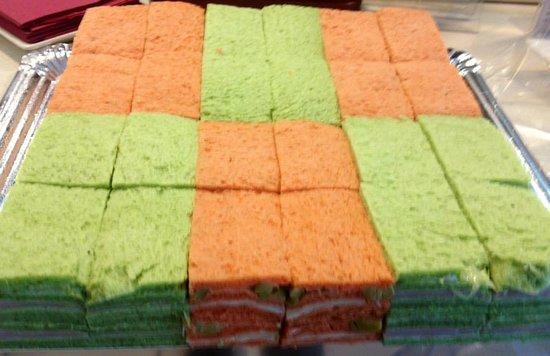 Pasteleria America III: 17 variedades de sandwiches de miga todos los días preparados en nuestro obrador