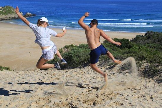 เพลตเตนเบิร์กเบย์, แอฟริกาใต้: Approach to the beach and welcome relief