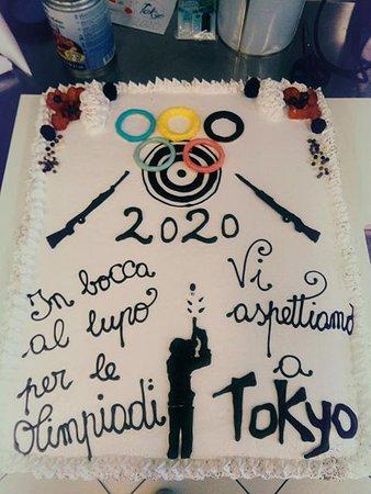 Vergato, Italien: Torta Gelato Per i Mondiali Di Tira a segno Di Tokio 2020