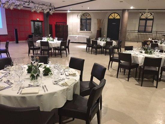 Mosnes, France: Notre salle de restaurant .