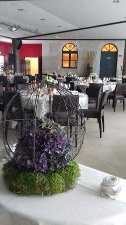 Mosnes, France: Notre salle de restaurant.