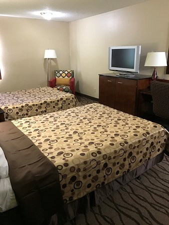 Dexter, MO: FLAT SCREEN TVS, NEW FURNITURE