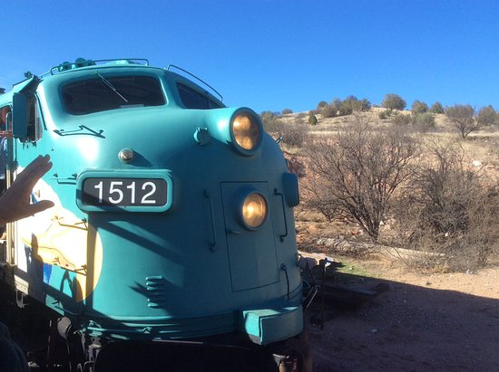 Verde Canyon Railroad: Moving the engine