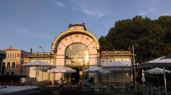 Otto Wagner Pavillon Karlsplatz: Павильон Отто Вагнера, май 2016 года...