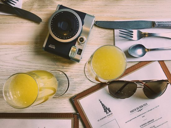 Le Clocher Penche Restaurant: Mimosa made with freshly pressed orange juice